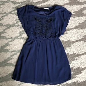 Dresses & Skirts - Navy short sleeve dress.